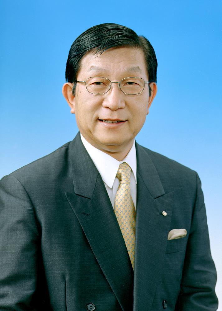 三嶋 顯 理事長